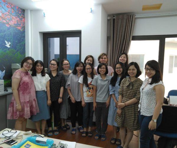 A tanárworkshop résztvevöivel Hanoiban